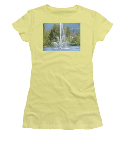 Lafarge Lake Fountain Women's T-Shirt (Junior Cut) by Rod Jellison
