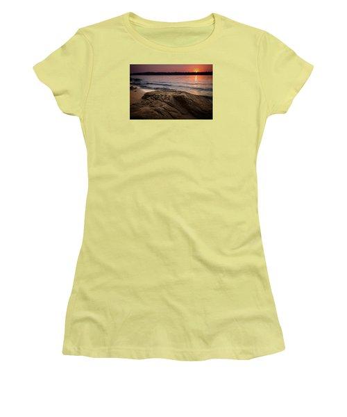 Lake Sunset Vi Women's T-Shirt (Junior Cut)