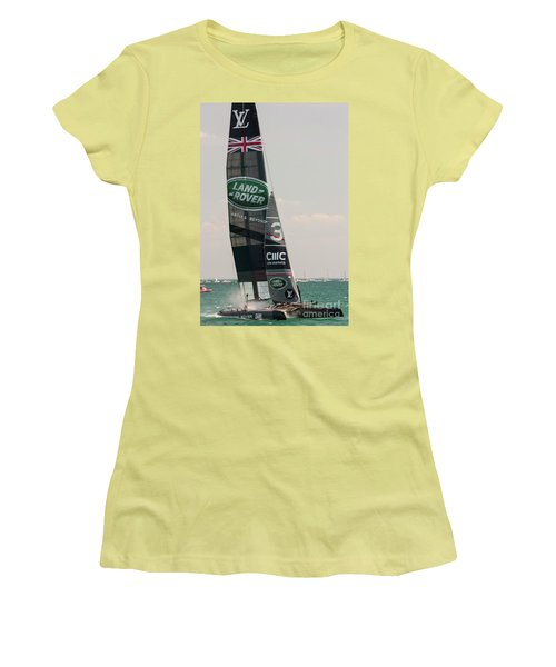 Land Rover Bar Women's T-Shirt (Junior Cut) by David Bearden