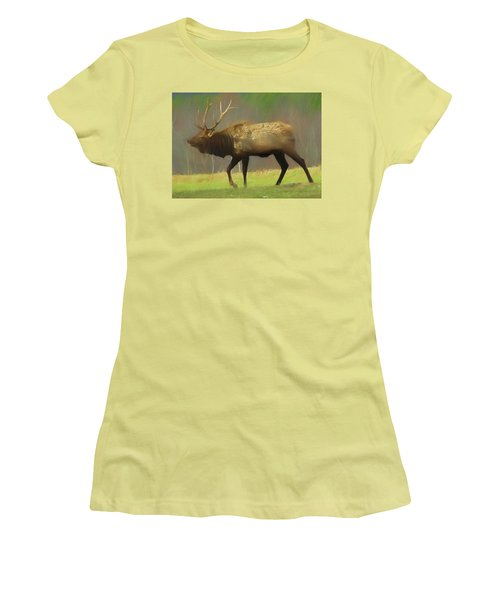 Large Pennsylvania Bull Elk. Women's T-Shirt (Athletic Fit)