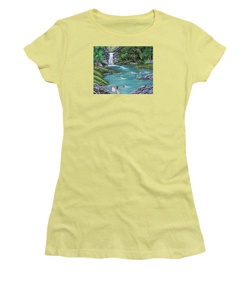Lavando Ropa    Washing Clothes Women's T-Shirt (Junior Cut) by Luis F Rodriguez