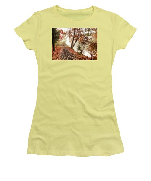 Leaning Tree Women's T-Shirt (Athletic Fit)
