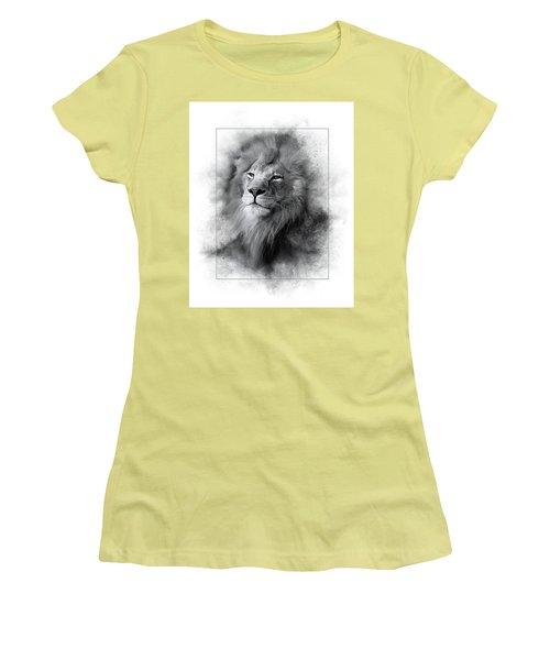 Lion Black White Women's T-Shirt (Athletic Fit)