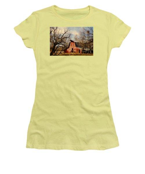 Little Red Barn Women's T-Shirt (Junior Cut)