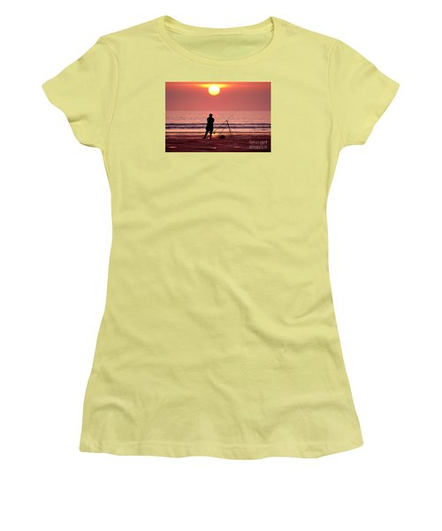Llangennith Fishing At Sundown Women's T-Shirt (Athletic Fit)