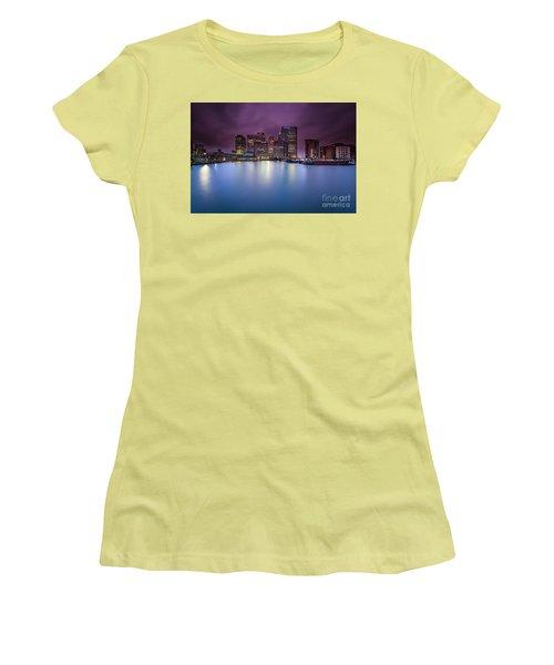 London Canary Wharf Women's T-Shirt (Junior Cut) by Mariusz Czajkowski