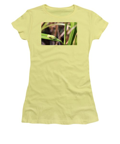 Lone Tree Frog Women's T-Shirt (Athletic Fit)