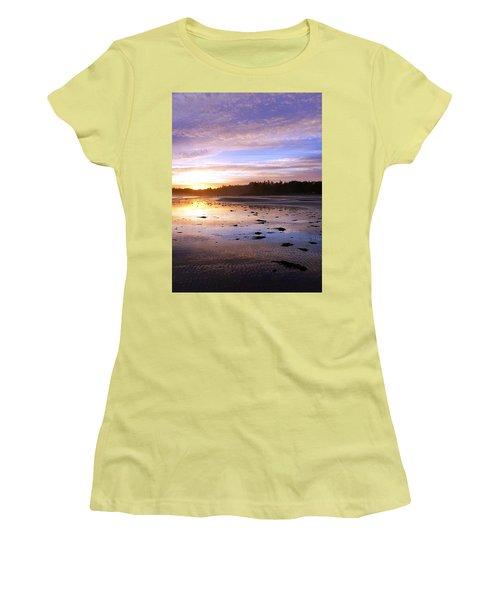 Long Beach, British Columbia Women's T-Shirt (Athletic Fit)