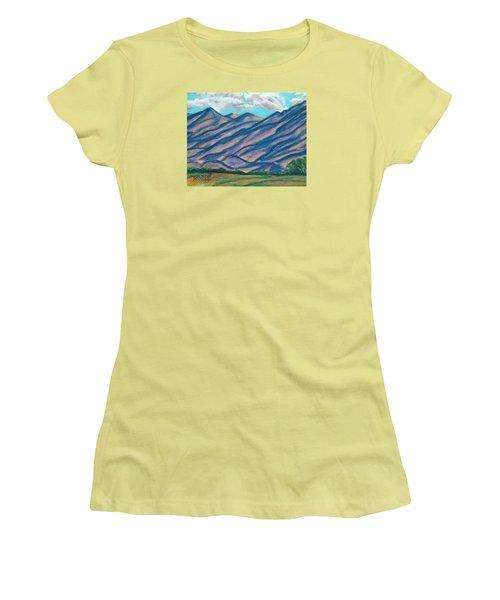 Los Lunas Hills Women's T-Shirt (Athletic Fit)
