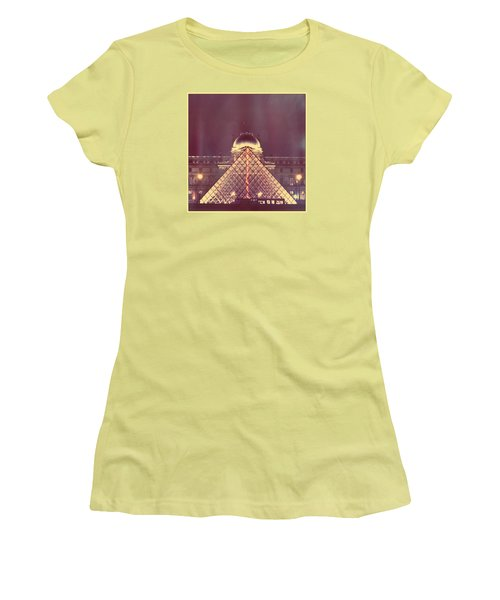 Louvre Palace And Pyramid Women's T-Shirt (Athletic Fit)