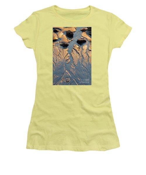 Low Tide Flow, Kettle Cove, Cape Elizabeth, Maine  -66557 Women's T-Shirt (Junior Cut) by John Bald