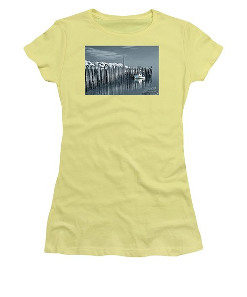 Margaretsville Wharf  Women's T-Shirt (Athletic Fit)