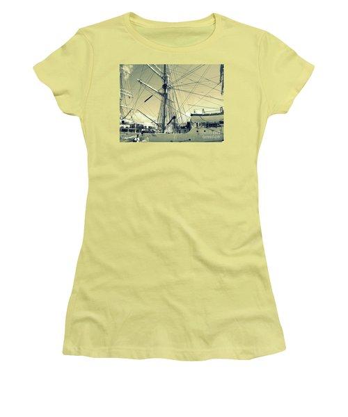 Maritime Spiderweb Women's T-Shirt (Junior Cut) by Susan Lafleur