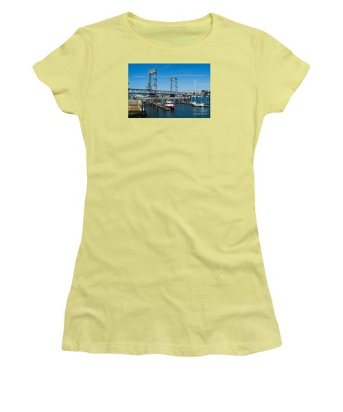 Memorial Bridge Portsmouth Women's T-Shirt (Athletic Fit)