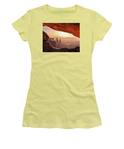 Mesa Arch At Sunrise, Washer Woman Formation , Canyonlands National Park, Utah Women's T-Shirt (Athletic Fit)