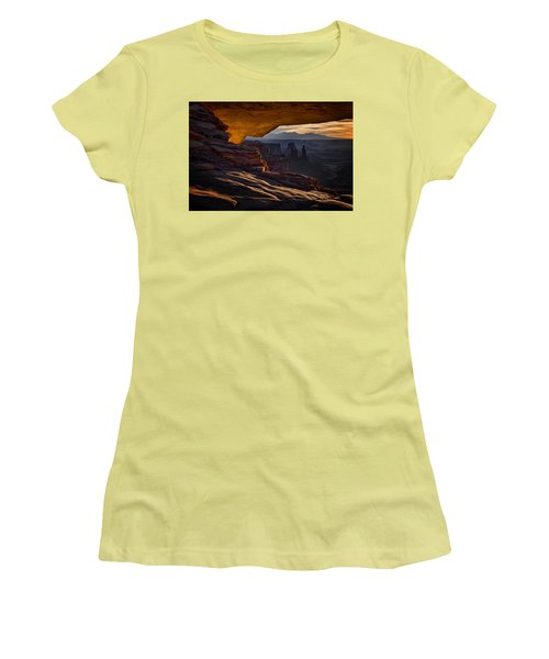 Mesa Arch Glow Women's T-Shirt (Athletic Fit)