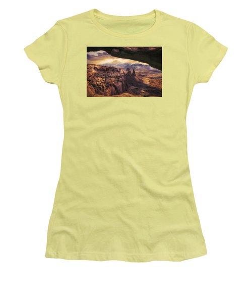 Mesa Arch Women's T-Shirt (Athletic Fit)