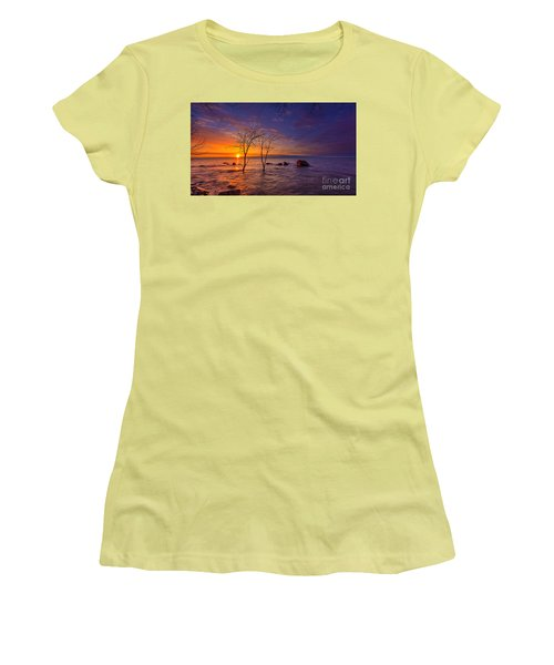 Milwaukee Rising Women's T-Shirt (Athletic Fit)