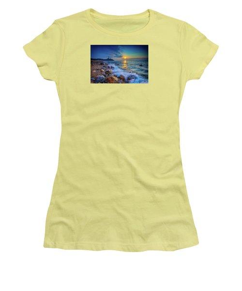 Montauk Sunrise Women's T-Shirt (Athletic Fit)