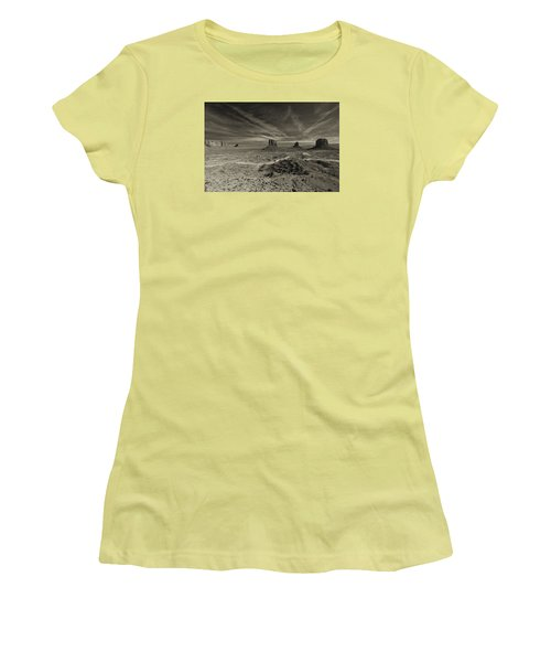 Monument Valley 2 Women's T-Shirt (Athletic Fit)