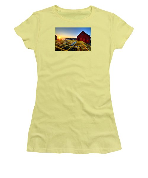 Motif 1 Lobster Trap Sunrise Women's T-Shirt (Athletic Fit)