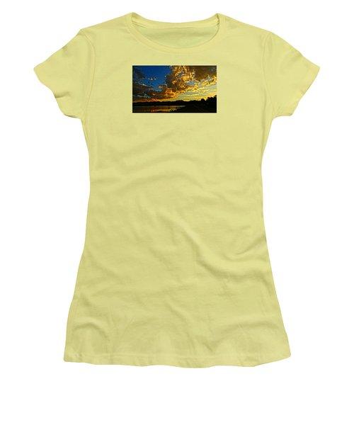 Mountain Colour Women's T-Shirt (Athletic Fit)
