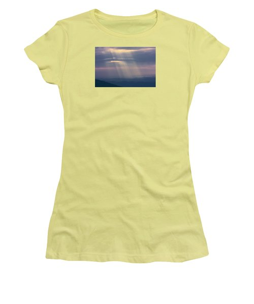 Mountain God Rays Women's T-Shirt (Athletic Fit)