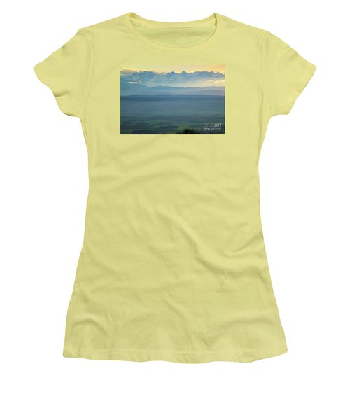 Mountain Scenery 18 Women's T-Shirt (Athletic Fit)