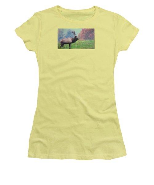Mr Elk Enjoying The Autumn Women's T-Shirt (Athletic Fit)