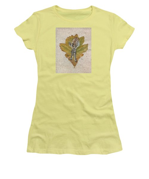 Mule Dear Fawn Women's T-Shirt (Junior Cut) by Ralph Root