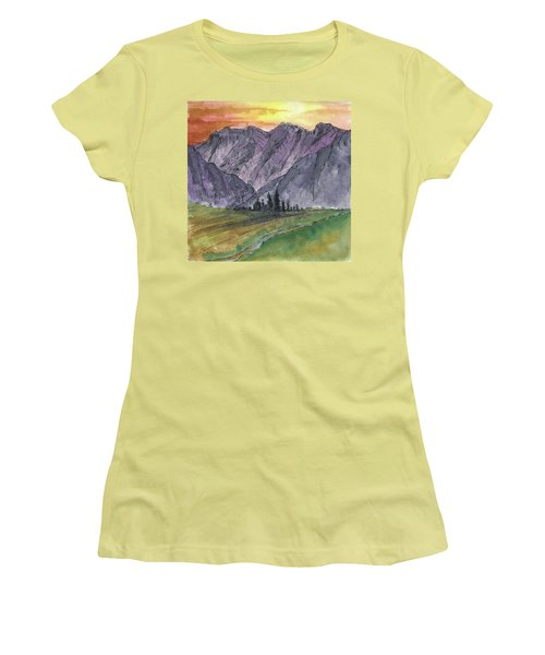 Near Canyon Entrance Women's T-Shirt (Athletic Fit)