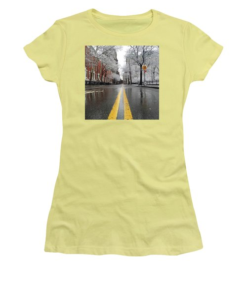 New York 1st Snow Women's T-Shirt (Athletic Fit)