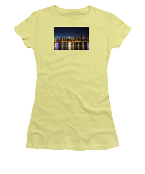 New York City Skyline Women's T-Shirt (Athletic Fit)