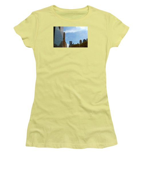 New York Women's T-Shirt (Junior Cut) by Helen Haw