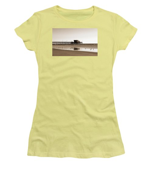 Newport Beach Pier Women's T-Shirt (Athletic Fit)