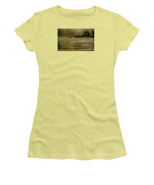 Nostalgic Morning Women's T-Shirt (Athletic Fit)