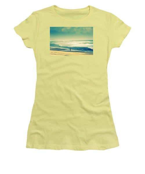 Nostalgic Oceanside Oregon Coast Women's T-Shirt (Junior Cut)