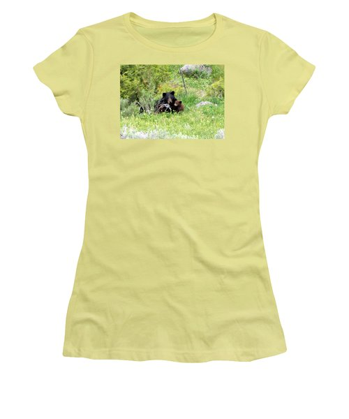 Oh Mom Women's T-Shirt (Athletic Fit)