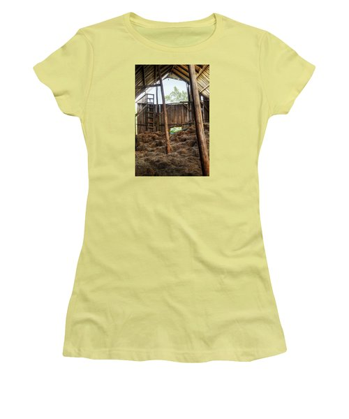 Old Barn Women's T-Shirt (Athletic Fit)