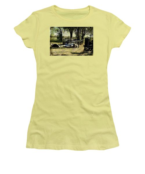 Old Rail Women's T-Shirt (Athletic Fit)