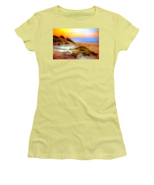 Outer Banks Soft Dune Sunrise Ap Women's T-Shirt (Junior Cut) by Dan Carmichael