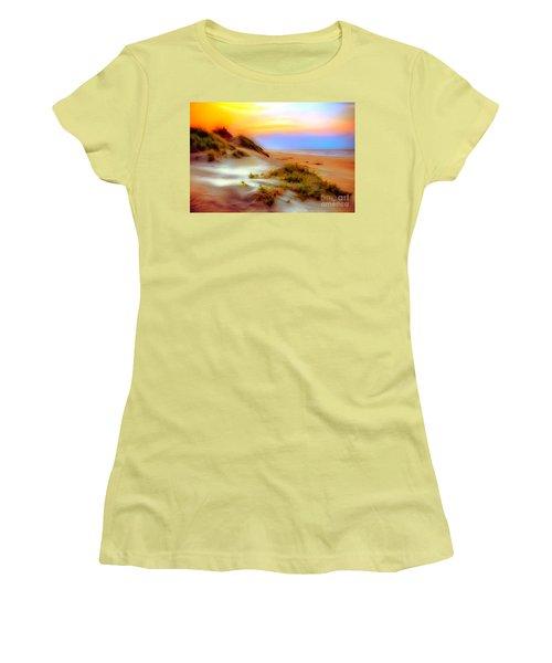 Outer Banks Soft Dune Sunrise Ap Women's T-Shirt (Junior Cut)