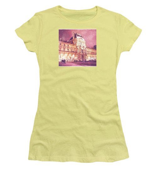 Palais Du Louvre En Rose Women's T-Shirt (Athletic Fit)