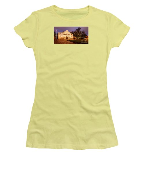 Panorama Of The Alamo In San Antonio At Dawn - San Antonio Texas Women's T-Shirt (Athletic Fit)