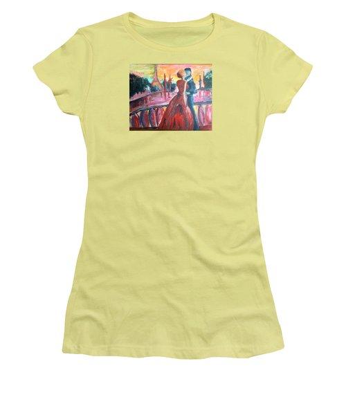 Paris Lovers Women's T-Shirt (Athletic Fit)