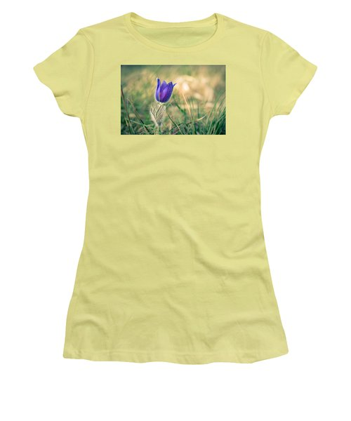Pasque Flower Women's T-Shirt (Athletic Fit)