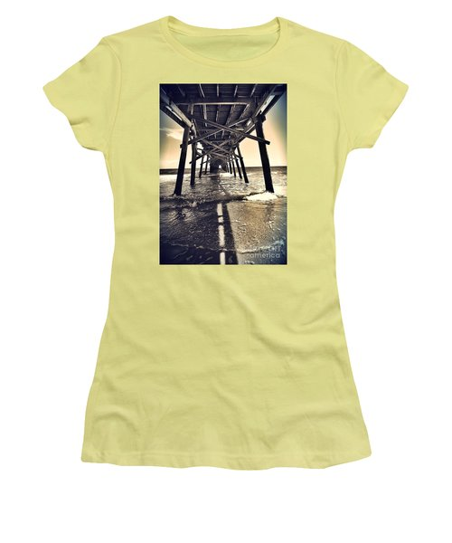 Peir View  Women's T-Shirt (Athletic Fit)
