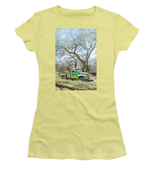 Pickup Under A Tree Women's T-Shirt (Athletic Fit)