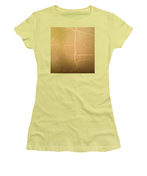 Pillow Pattern Amber Leaf/crackle Women's T-Shirt (Junior Cut) by Steed Edwards