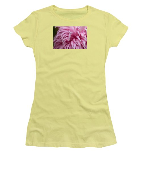 Pink Mum Women's T-Shirt (Athletic Fit)